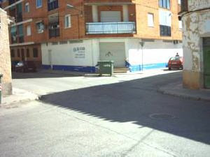 SE ALQUILA AMPLIO LOCAL COMERCIAL CON FACHADA A DOS CALLES