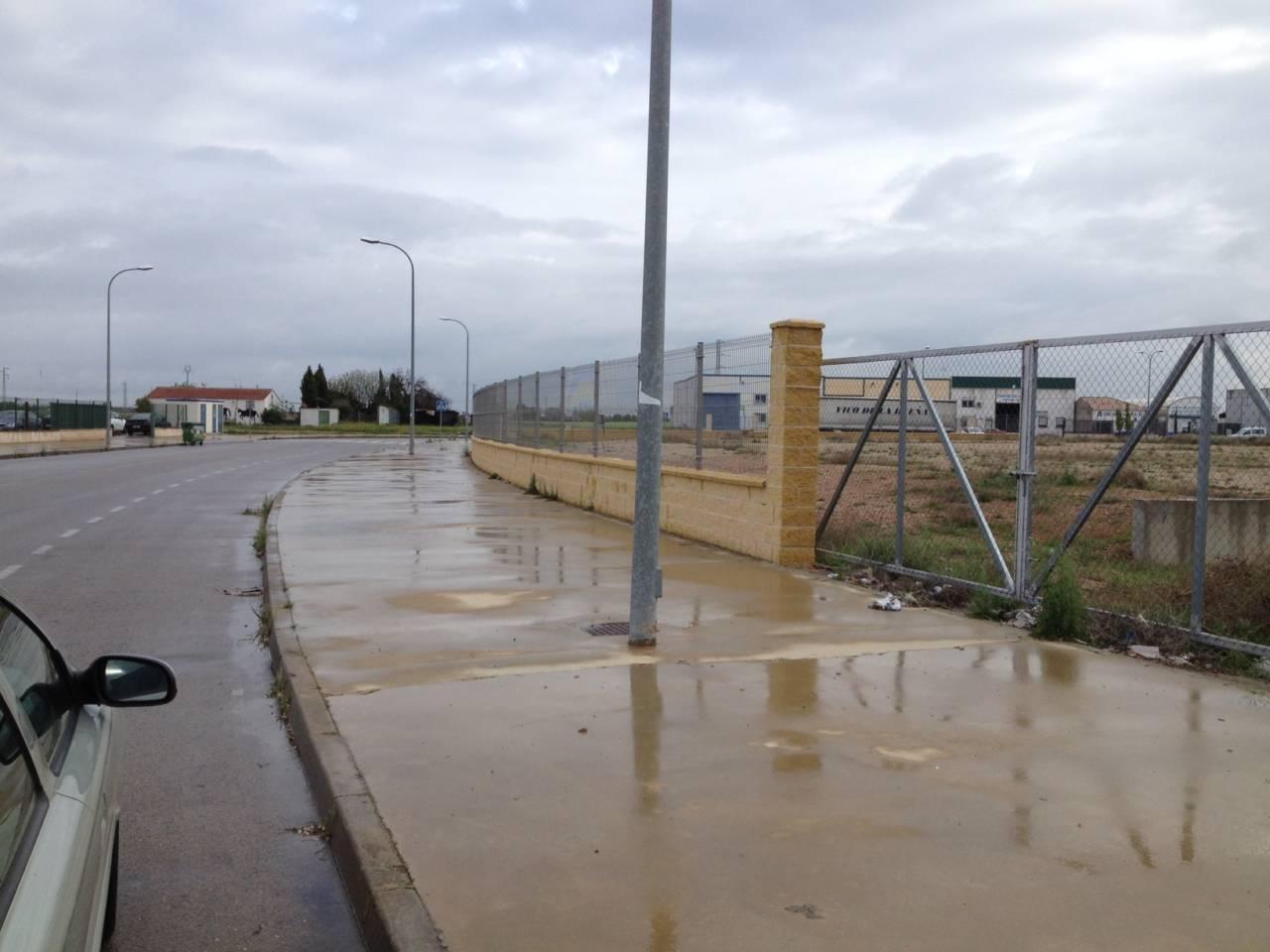 PARCELAS INDUSTRIALES con proyecto edificatorio