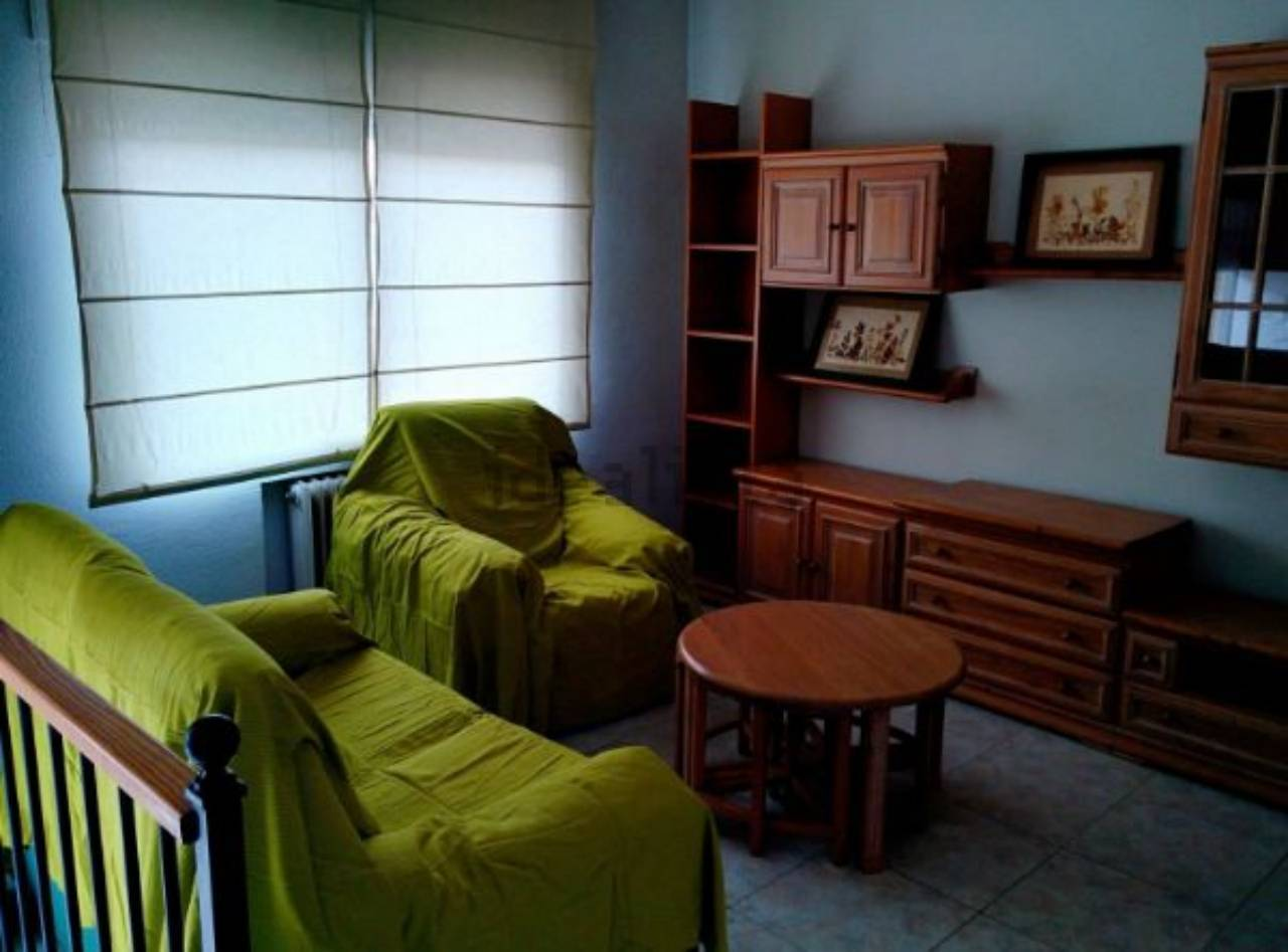Casa-apartamento independiente  en venta muy centrica