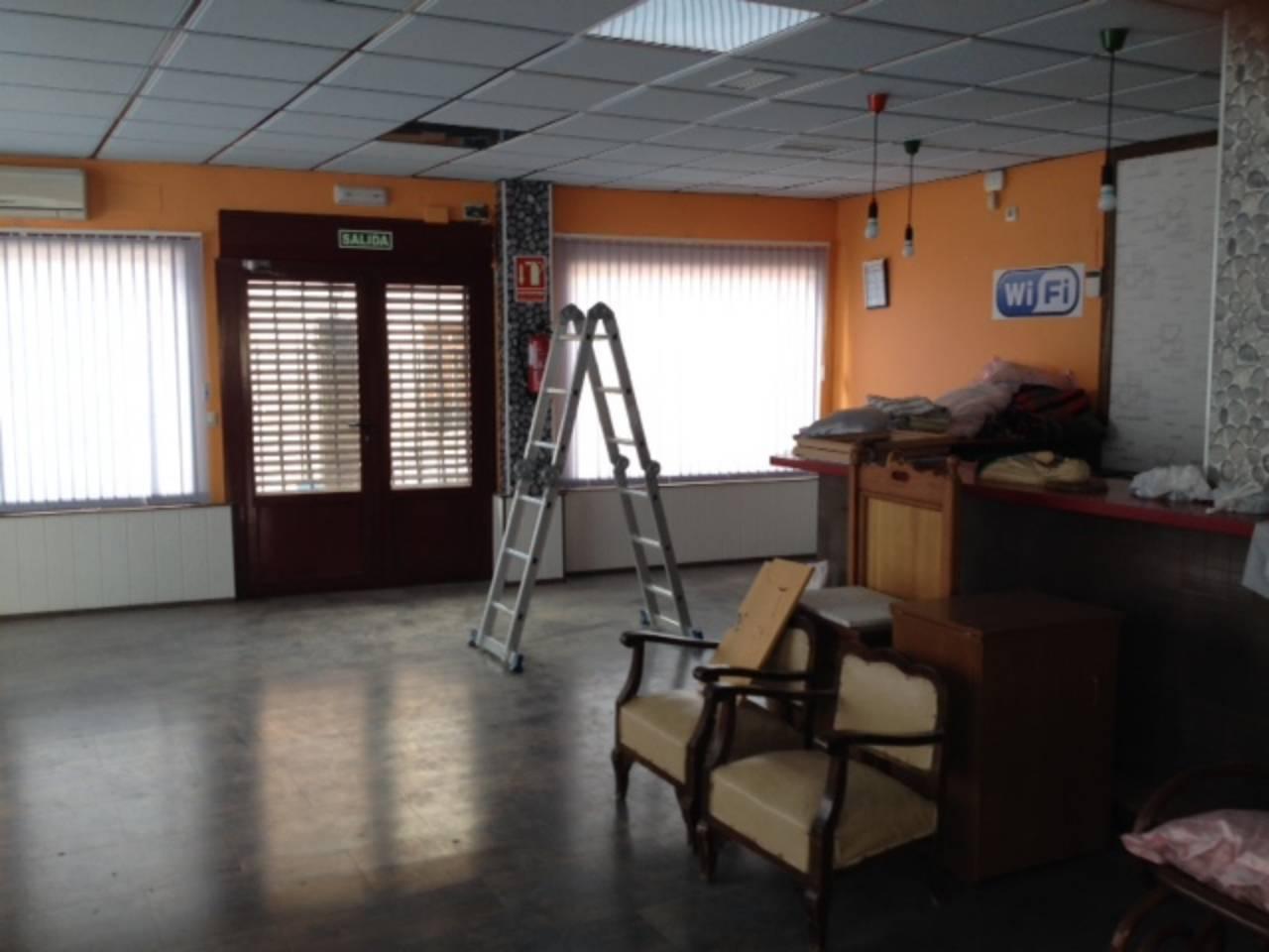 local bar de nueva construcción en alquiler